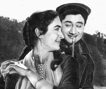 Dev Anand and Nutan in Tere Ghar Ke Samne